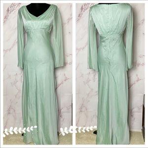 Michelangelo vintage formal long sleeve gown mint